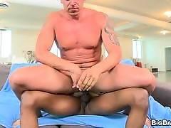 itsgonnahurt - Euro wants some big dick